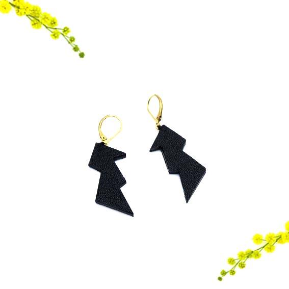 bijoux créateur Lyon boucles d'oreilles éclair jaune cuir or graphiques