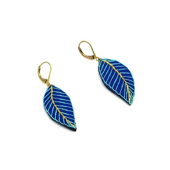 bijoux créateur Lyon boucles d'oreilles feuilles style bohème cuir or graphiques