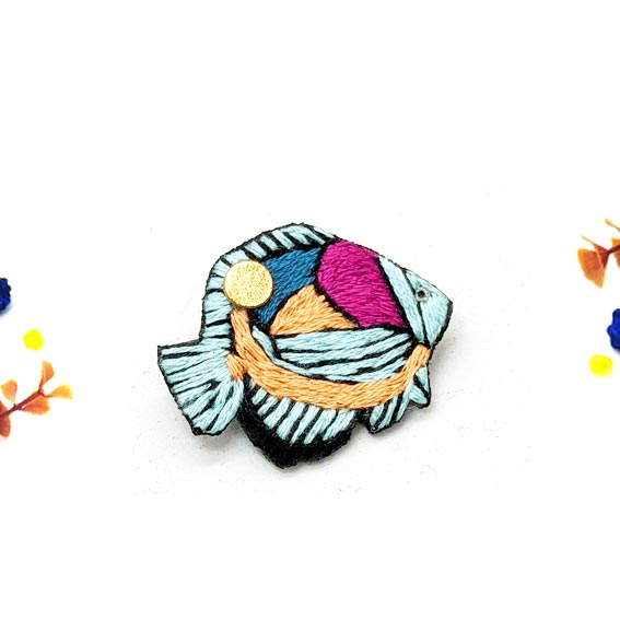 broche poisson brodé bijou créateur fait main lyon